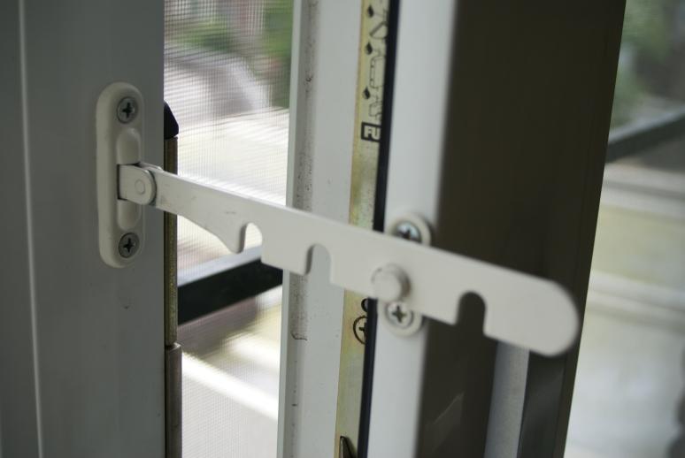 Kierstandhouder kunststof deur