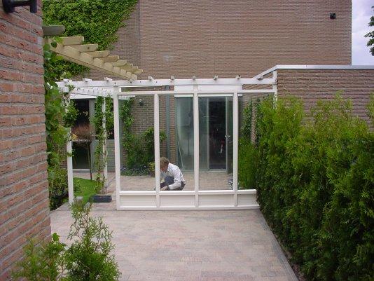 Plexiglas Windscherm Tuin : Zwetsloot kozijnen fabriek: afscheidings wanden en windscherm.